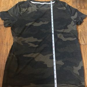 🖤 vs camo shirt!